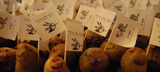 Potato army landed in Ghent in the night from 6 to 7th of OctoberAardappelleger neergestreken in Gent in de nacht van 6 op 7 oktoberDébarquement d'une armée de patatistes à Gand dans la nuit du 6 au 7 octobre
